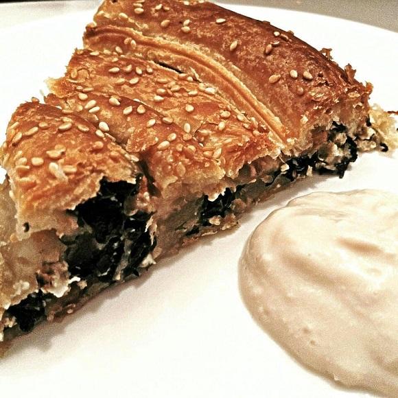 Grška špinačna pita (spanakopita)