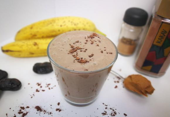 Čokoladno-arašidov energijski napitek