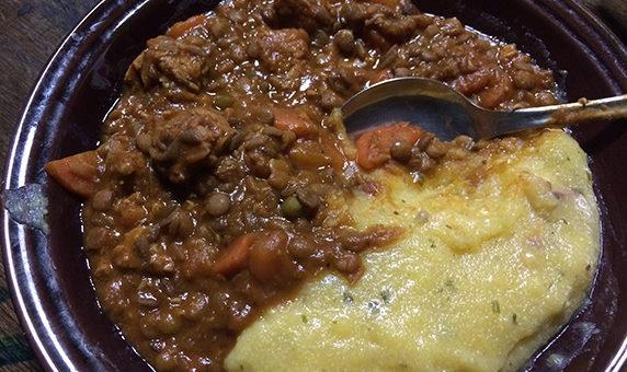 Zelenjavna omakica s sojinimi koščki